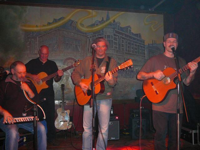Acoustic FoolZ - Wan, Pedro, Remco & Lex
