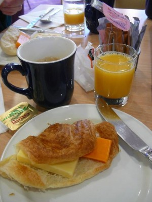 343 081117 Monday - bazbos continental breakfast