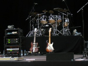 15 in the Jahrhunderthalle - Dweezil's gear and Joe's kit