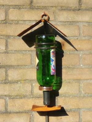 Luuks gelaste voederplaats - Luuks bird feeding place - June 1, 2009