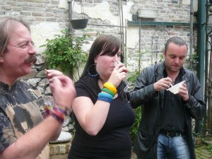 Emile, Ethell & John Hölsgens aan de soep