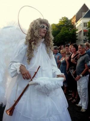 Larkin'About (Eng) 'The Angels' op de Brink