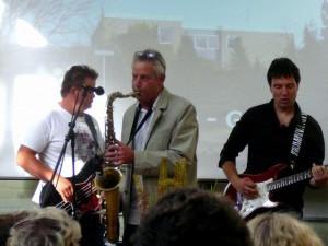 De AOC band - met dhr Van Hal op sax!