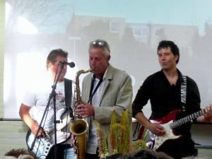 De AOC band - met dhr. Van Hal op sax! - Peter Gunn!