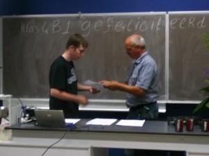 Luuk krijgt zijn diploma vmbo-Groen