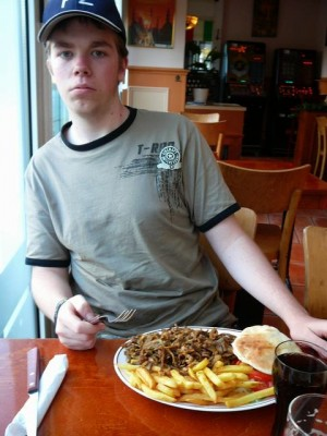 522 Luuk and his shoarma