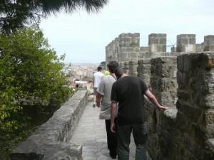 040 op de muren van het Castelo de São Jorge