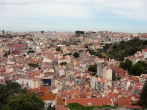 042 uitzicht vanaf het Castelo - ergens staat ons hotel