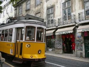 089 tram 28 bij  de kathedraal Sé