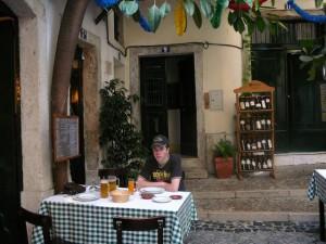 136 restaurant Lautasca in de oude wijk Alfama