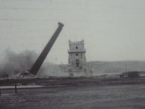 204 Mosteiro dos Jerónimos - expositie - gaat de Torre de Belém eraan
