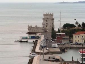 235 uitzicht vanaf het Monument der Ontdekkingen - Torre de Belém