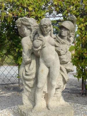 276 Slot Troja - beelden in de tuin