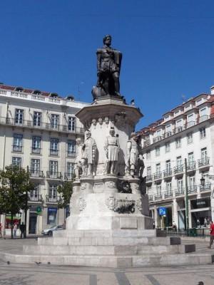 341 Praça Luis de Camões