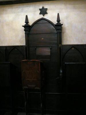 342 Joodse Wijk - Oud-Nieuwsynagoge - Stoel van Rabbi Löw