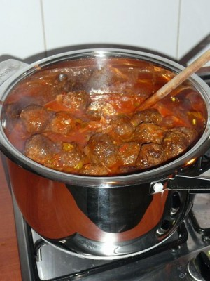 Hobbit balls in Elven sauce