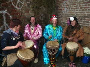 djembe music - Wilbert & Martijn in centre