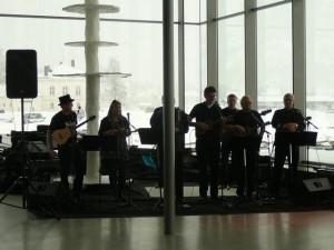 087 ukelele orchestra plays the Beatles