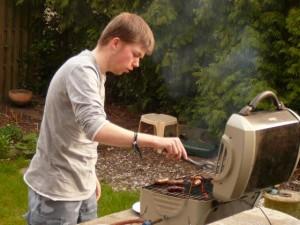 Luuk tijdens onze eerste barbecue van het jaar - First bbq of the year - April 24, 2010