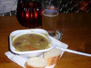 bazbo's dinner - Anja's pea soup!