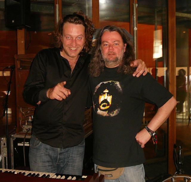 Sven Figee (Sven Hammond Soul) & bazbo - behind the Hammond