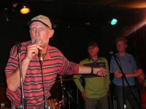 The Bottles - Hans, Paul & Martin
