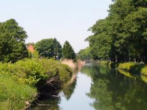 Het Apeldoorns Kanaal, bij ons vlak achter - The Apeldoorn Channel, very close to our home