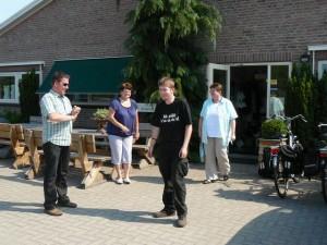 Start rondleiding - vlnr: Marc, Rina, Luuk & E