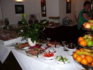 250 100815 Sunday - breakfast room