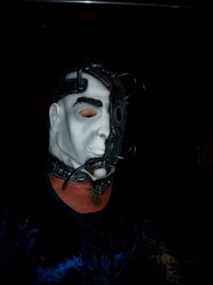 hidihi with Emile's mask