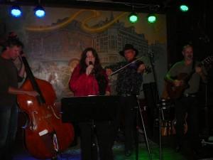 The Cat's Fiddle - Martin, Naomi, Bert & Lexolo