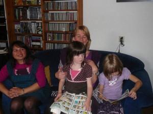 Cynthia, Mireille & kids
