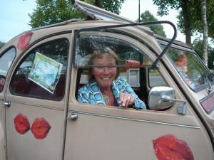 Heidi in Emile's car