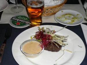 bazbo's main course - Os & Kaas