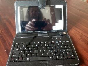 27 140603 Es tablet with keyboard sleeve