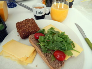273 b breakfast