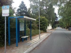 29 140701 nieuwe werkplek - hier wacht ik op de bus
