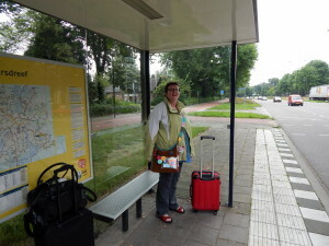 002 E waiting for the bus in Apeldoorn