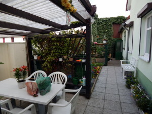 045 appartment yard