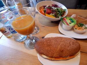 048 b breakfast in Stadtbäckerei