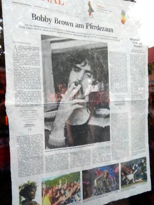 154 newspaper decoration on Gunnars bar window