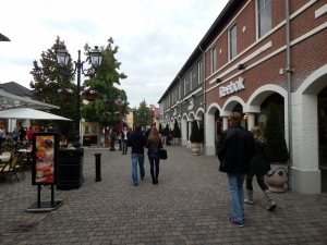 003 Roermond Outlet