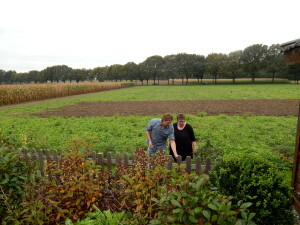 065 tuin en land erachter