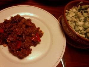 90 141007 chili met groene salade