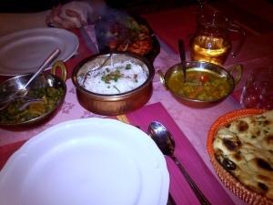 049 141129 eten bij de Kohinoor in Arnhem - lamscurry in spinazie en groenten en nan