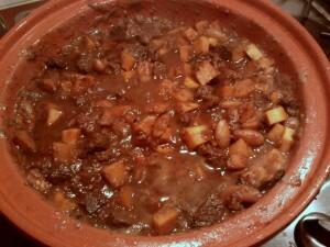 014 150131 tajine van rundvlees abrikoos amandel en pompoen