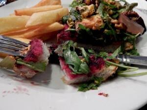 0961 beetroot sandwich