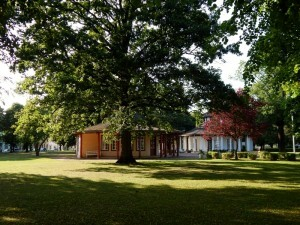 0303 Roten und Weissen Pavilion