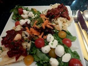 0307 bandnudeln met tomaat en mozarella