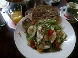 150729 006 salade met geitenkaas - The Old Bell, Rembrandtplein Amsterdam